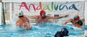 Víctor Calderón lanzando un penalti