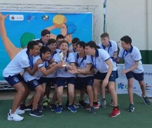 La selección andaluza, con el trofeo
