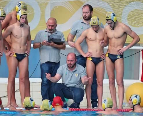 -Dani García, con sus jugadores durante un partido